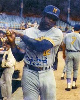 JOHNNY BRIGGS SIGNED 8X10 BREWERS PHOTO