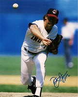 DOUG JONES SIGNED 8X10 INDIANS PHOTO